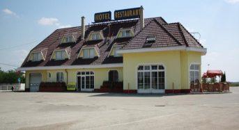 Sárga Hotel – Tompa