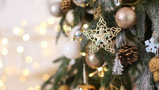 Békés, szeretetteljes karácsonyi ünnepeket kívánunk!
